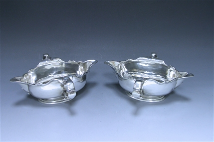 Pair of George II Double-Lipped Sauce Boats made in 1727
